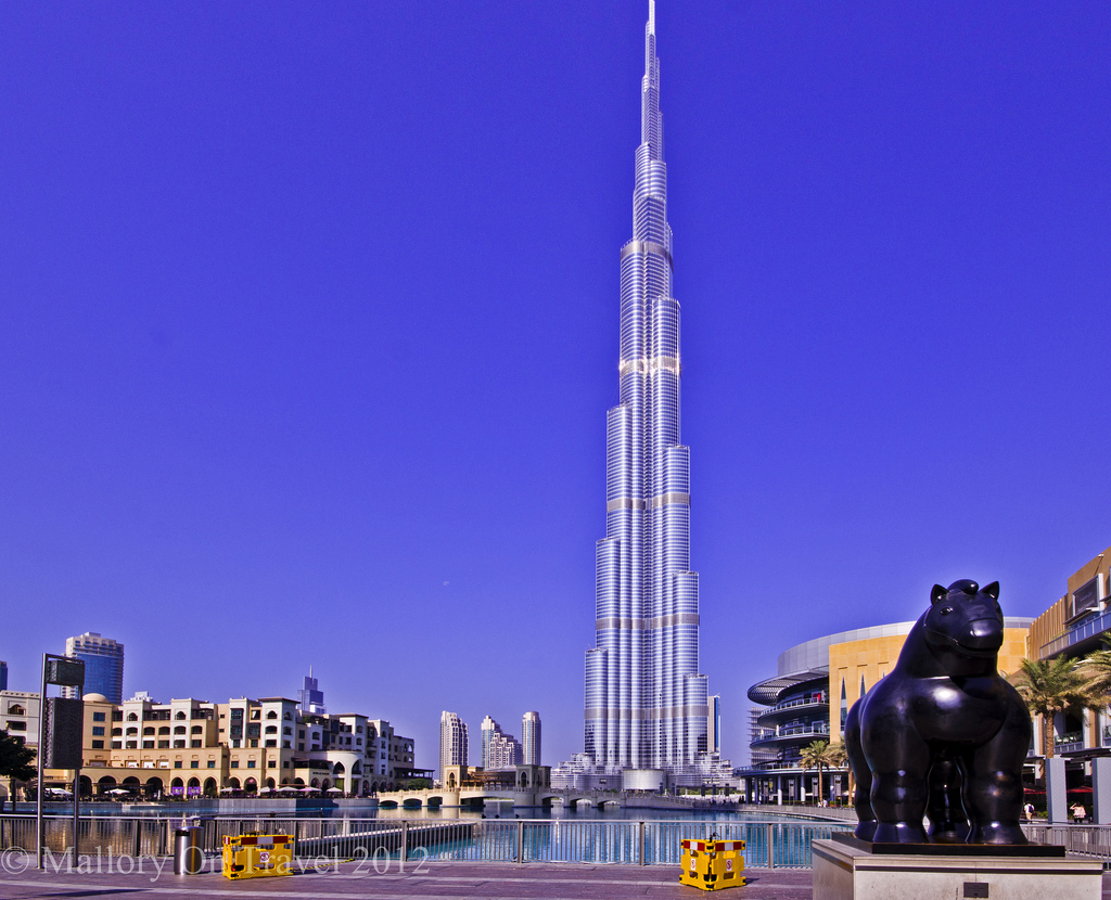 The Name Of Worlds Tallest Building Is Burj Khalifa This Famous Skyscraper Situated In Dubai It Also Known As Tower