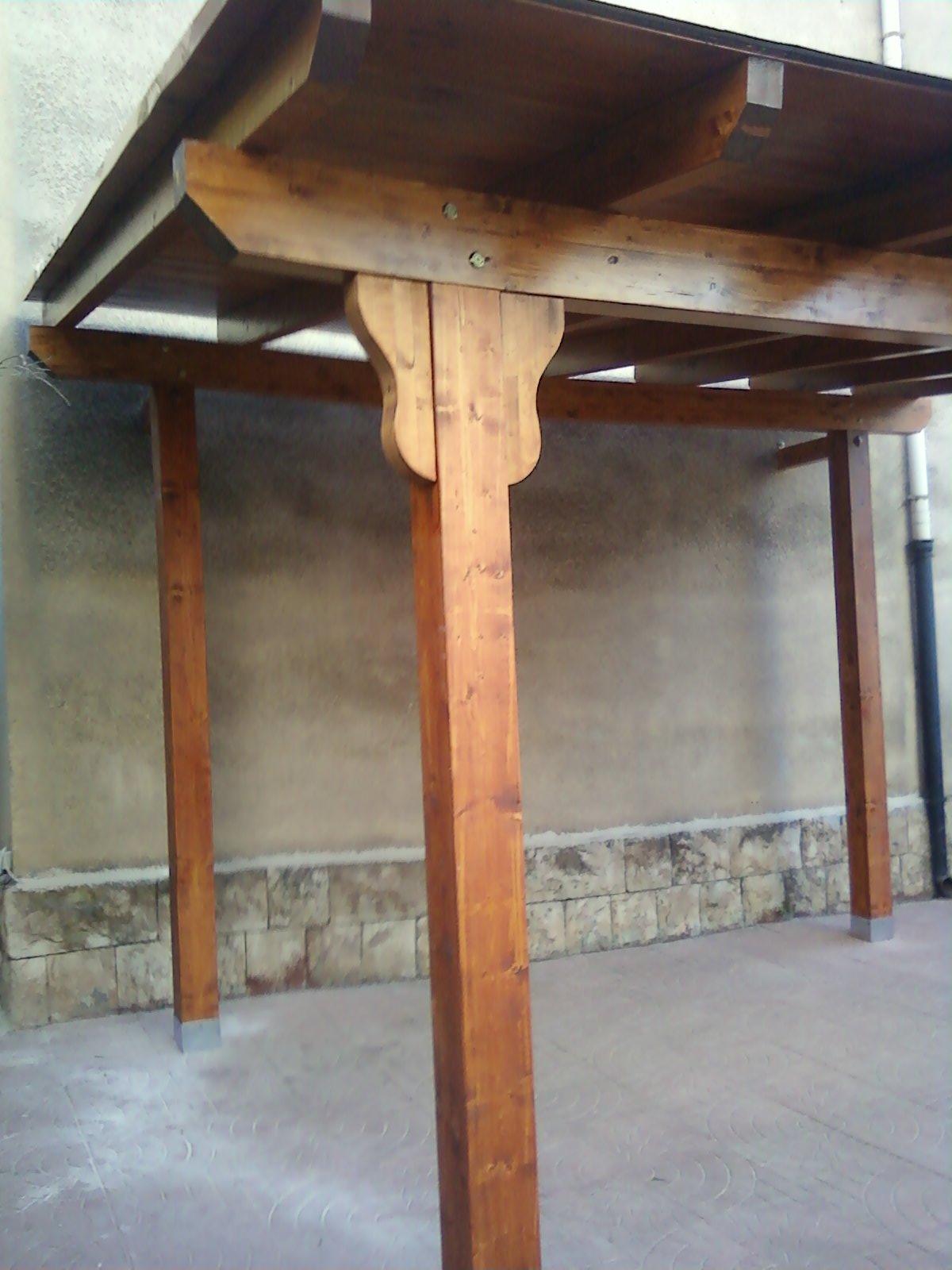 Fai da te hobby legno tettoia for Pergolato in legno fai da te