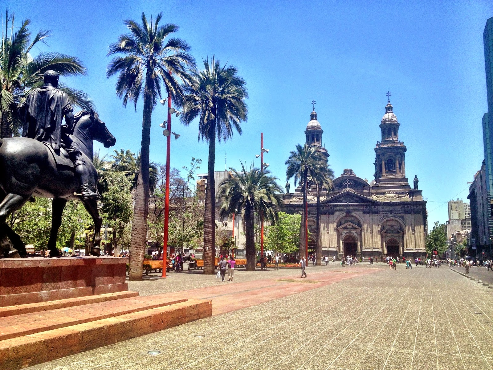 Plaza de Armas, looking towards Catedral de Santiago