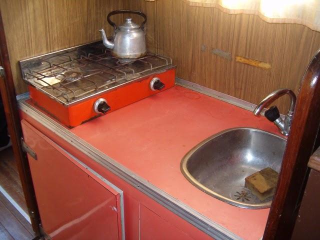 Navegantes cl sicos la luz interior for Cocinas para barcos