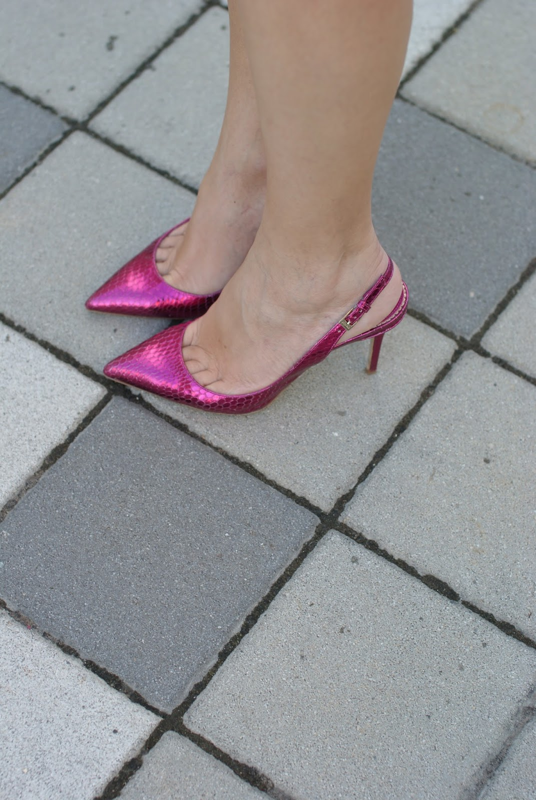 Le Silla heels, fuchsia slingbacks on Fashion and Cookies fashion blog