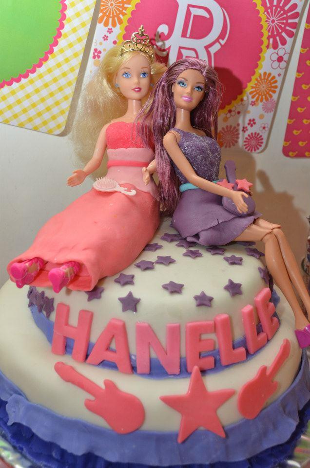 Bella is baking barbie princess and the popstar party - Barbie princesse popstar ...