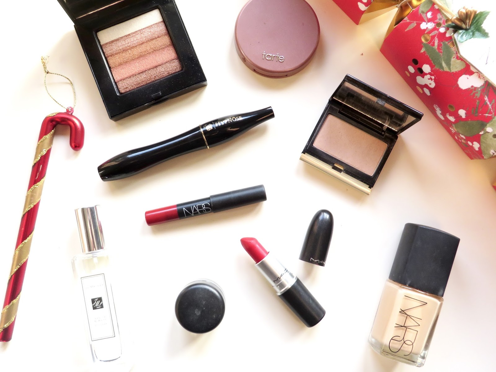 whats in my festive make up bag, charlotte tilbury, mac cosmetics, bobbi brown, lancome, jo malone fragrance, party make up