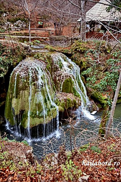 cascada bigar toamna