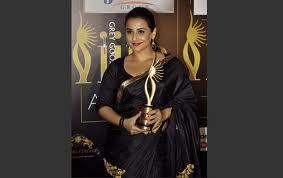 Vidya-Balan-hot-IIFA-Awards-3