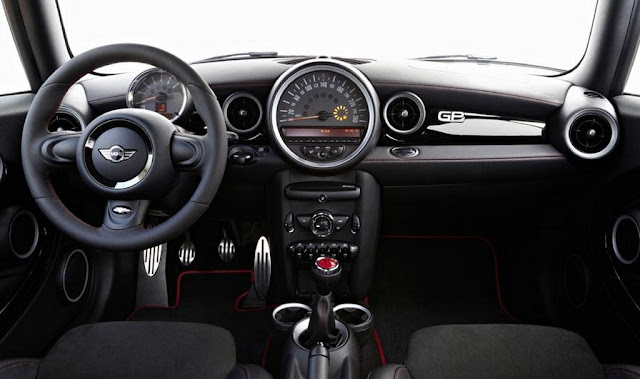 2013_Mini_John Cooper_Works_GP_dashboard