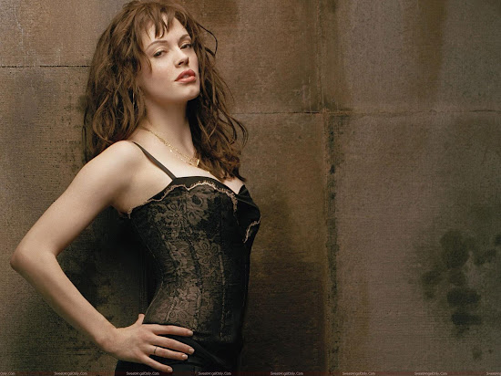 Rose McGowan HD photo shoot