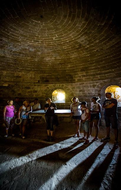 Cripta de la iglesia de San Pedro  - Castillo de Loarre :: Panorámica 2 x Canon EOS5D MkIII | ISO12800 | Canon 17-40 @17mm | f/4.0 | 1/8s