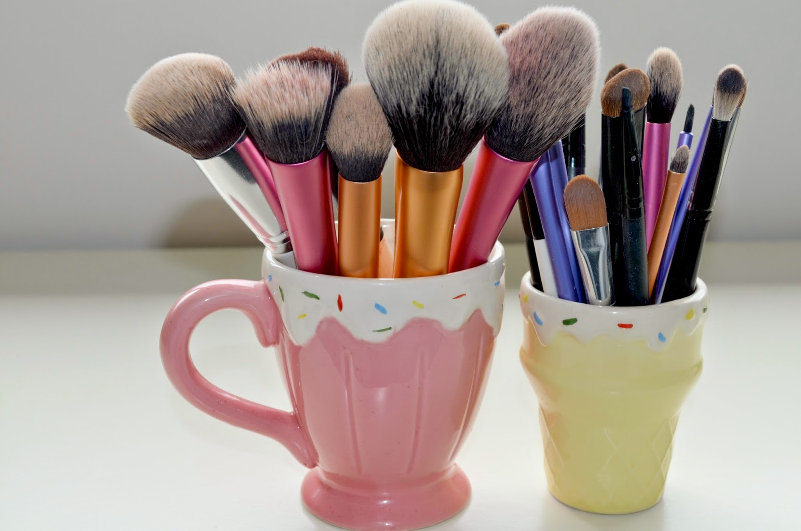 Cute Makeup Brush Storage