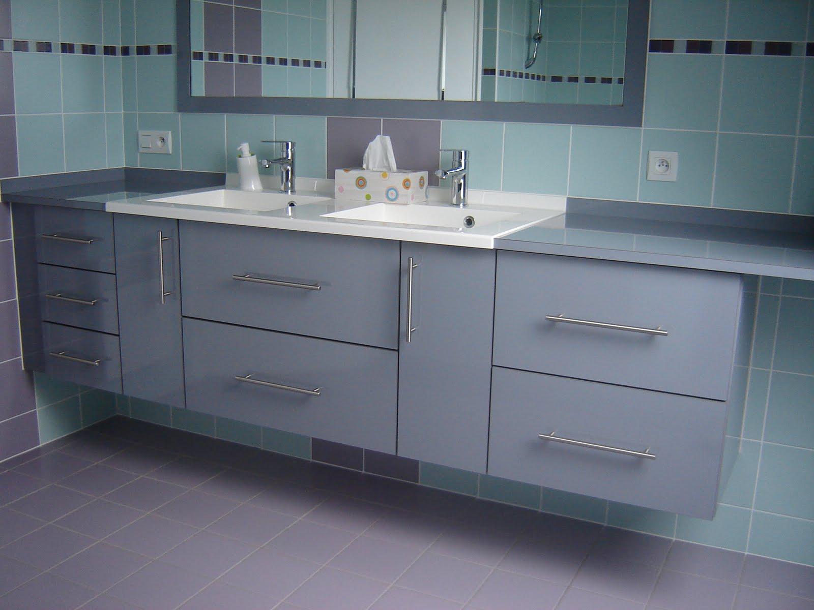 Le sur mesure qui vous ressemble exemple de salle de bain for Meuble qui s emboite
