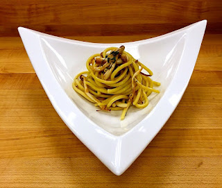 Bucatini with DiningWilds Clamshell Mushrooms Bucatini & DiningWilds Clamshell Mushrooms