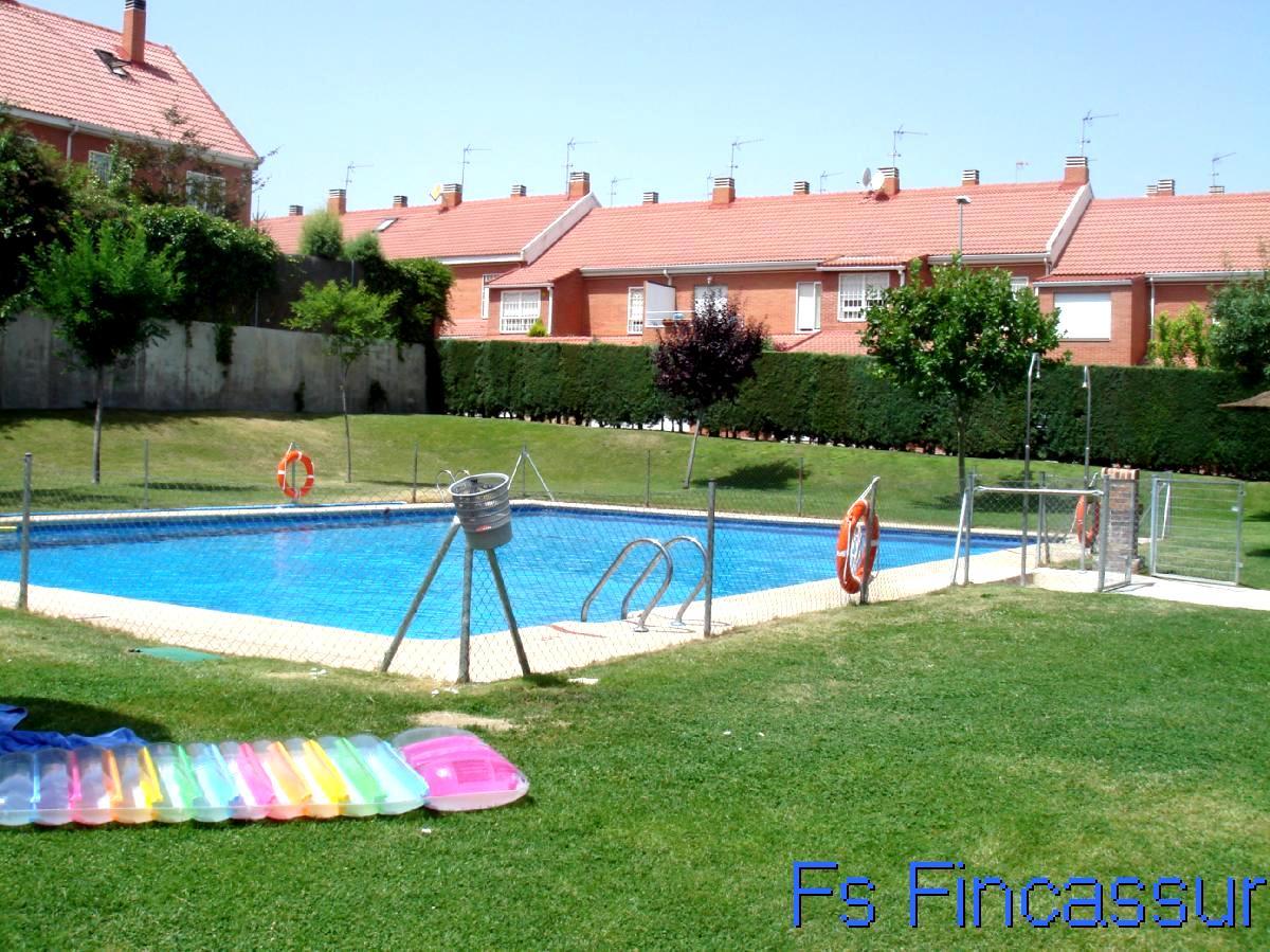 Real estate fincassur inmobiliaria chollos de particulares en 180000 chalet en valdemoro - Piscina de valdemoro ...