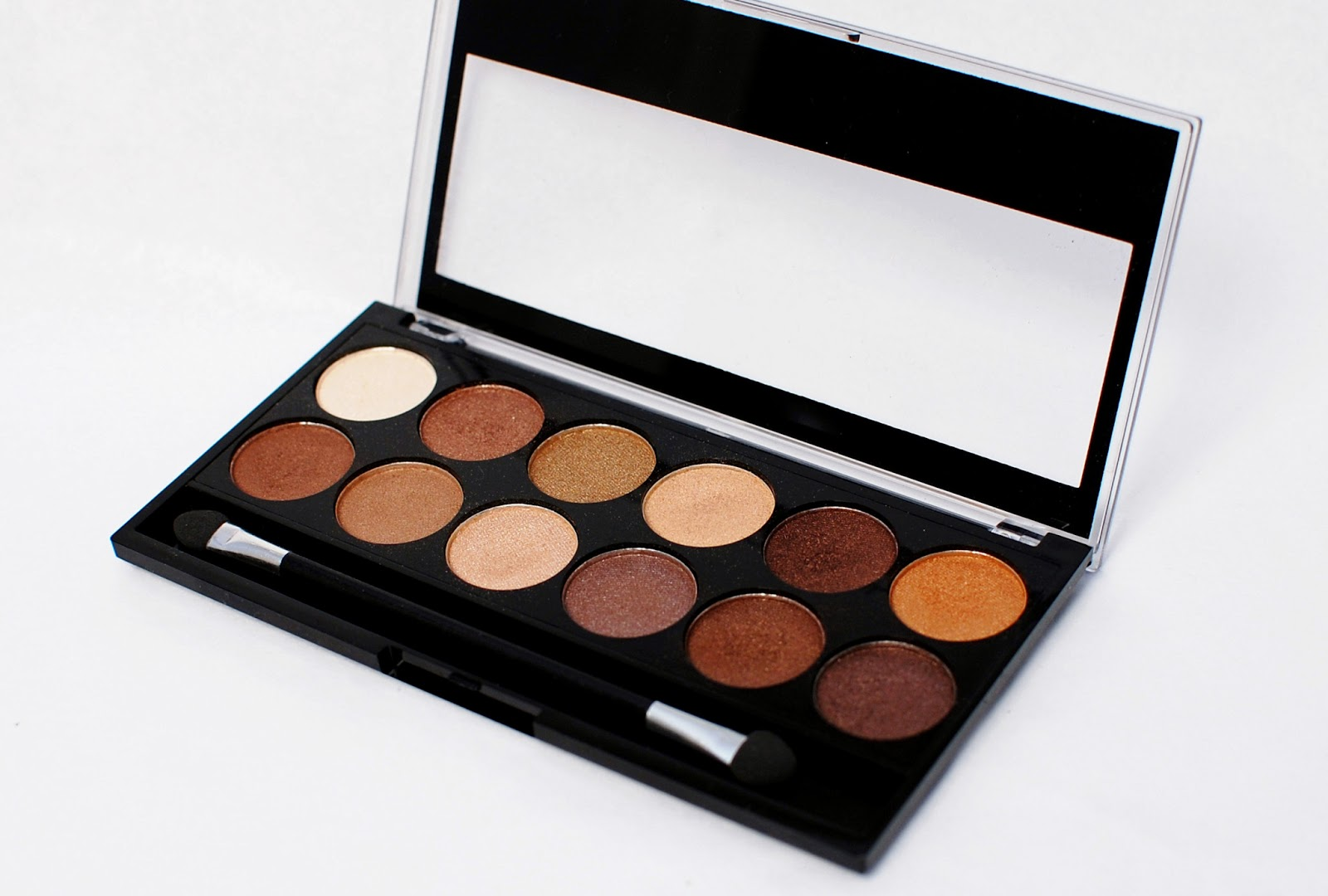 MUA Heaven and earth eyeshadow palette
