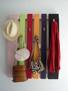 l 39 ombrelle rouge quoi faire avec des palettes de bois. Black Bedroom Furniture Sets. Home Design Ideas