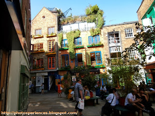Central square of Neal's Yard, London. Plaza central de Neal's Yard, Londres.