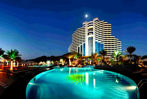Top 10 five star hotels in world for Top 10 best 5 star hotels in dubai