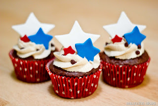 ���� ����� ����� ���� ������ 4th-July-Cupcakes-A3