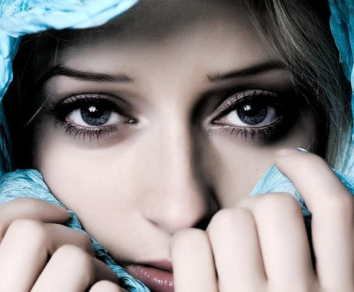 girl silent eyes