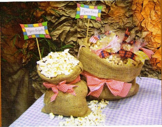 Sacos rústicos para servir pipoca na festa junina
