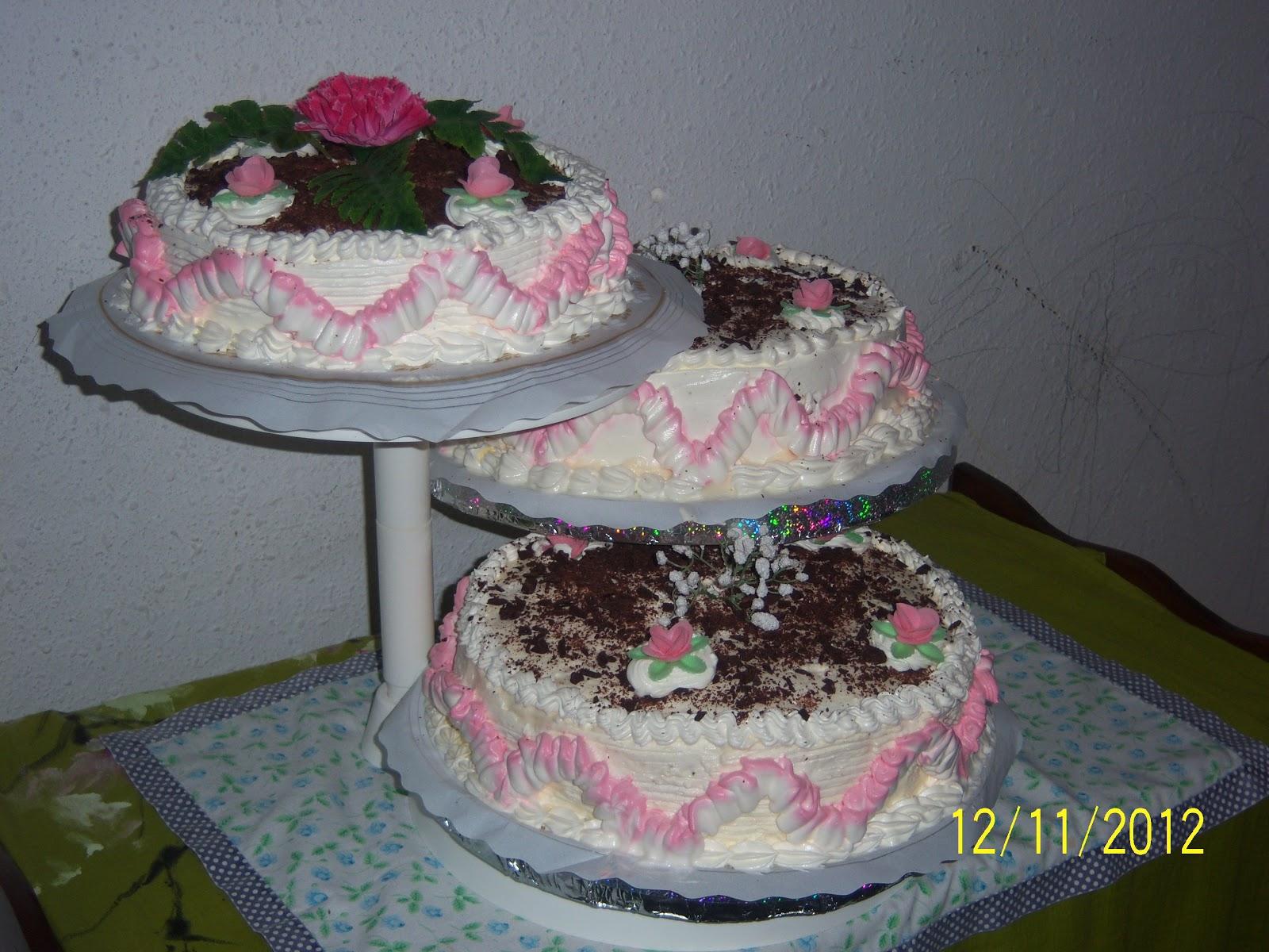 bellísimo pastel de 15 años la bicromia de las blondas de los ...