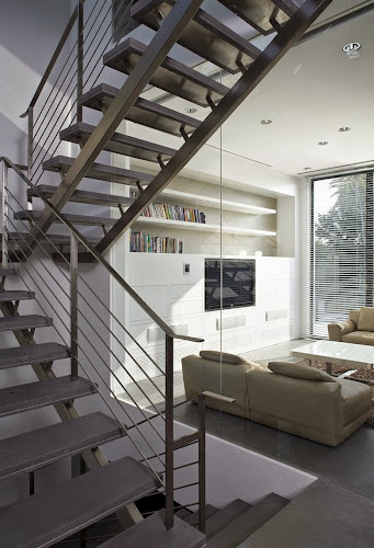 Bridging House by Jacobs-Yaniv Architects