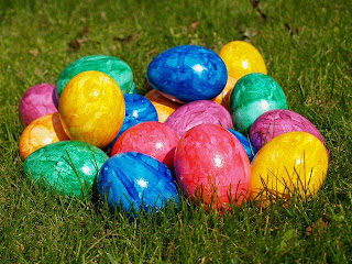 Huevos de pascua de mil colores