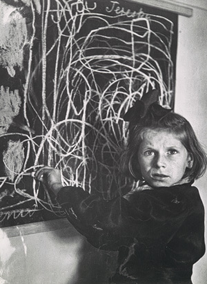 25 Breathtaking Photos From The Past - Tereska, a child in a residence for disturbed children, grew up in a concentration camp. She drew a picture of