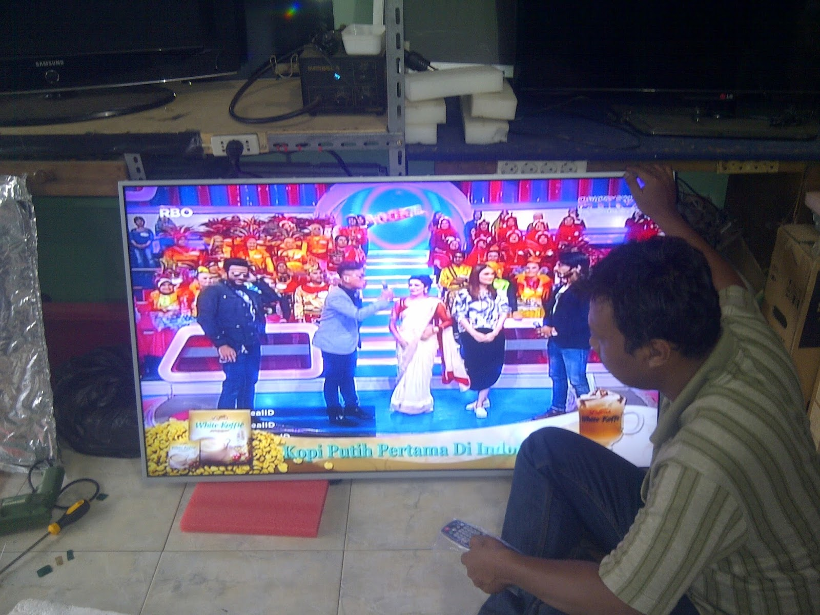 CLINIC TV LCD LED LAMPUNG