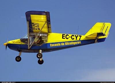 Pepa volando en el EC-CY7 en El Berriel, Gran Canaria