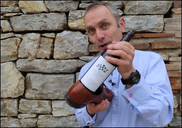 Cómo abrir una botella de vino sin un sacacorchos