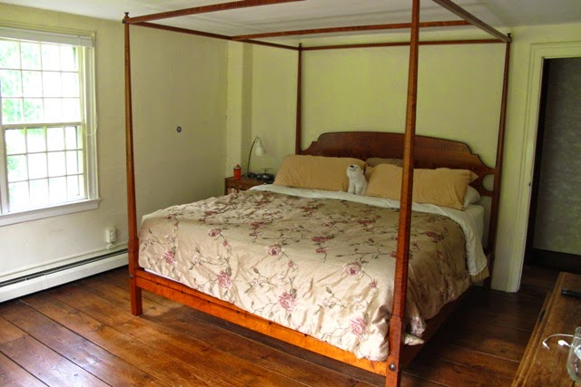 The king size canopy bed from GreatWindsorChairs.com. With the cost of the bed being what it was there was no more room left in the budget for a quilted ... & 4-Poster Bed ~ Confessions of An Antique Home