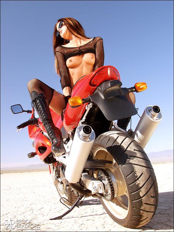 Brooke Bradford Nude 114