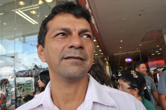 Brasília - O administrador Jemerson Serrão descreve os cuidados que toma para cuidar da saúde, no Dia Nacional de Prevenção e Combate à Hipertensão Arterial, no momento em que a Sociedade Brasileira de Cardiologia (SBC) faz campanha com o slogan Menos Sal, Menos Pressão, Mais Saúde