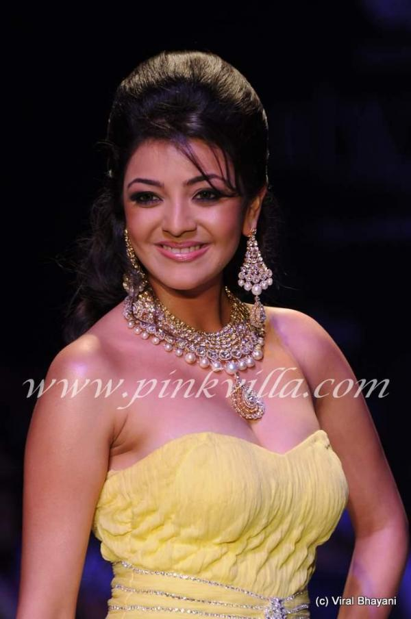 Kajal Agarwal Ramp Walk @ CVM Exports Show From International Jewellery Week !