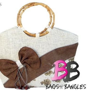 f835fe2dfa67 ... latest fashion trends in Pakistan. College bags by Bags n Bangles are  available in many colors raning from pink