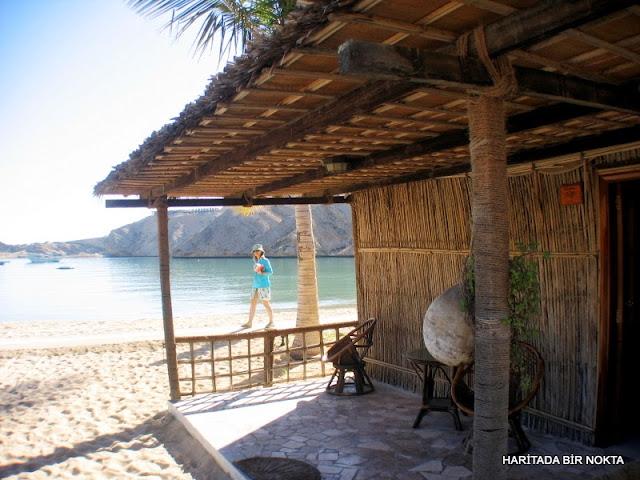 umman deniz kenarında bungalovlar