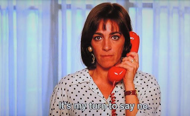 Carmen Maura on telephone as Pepa