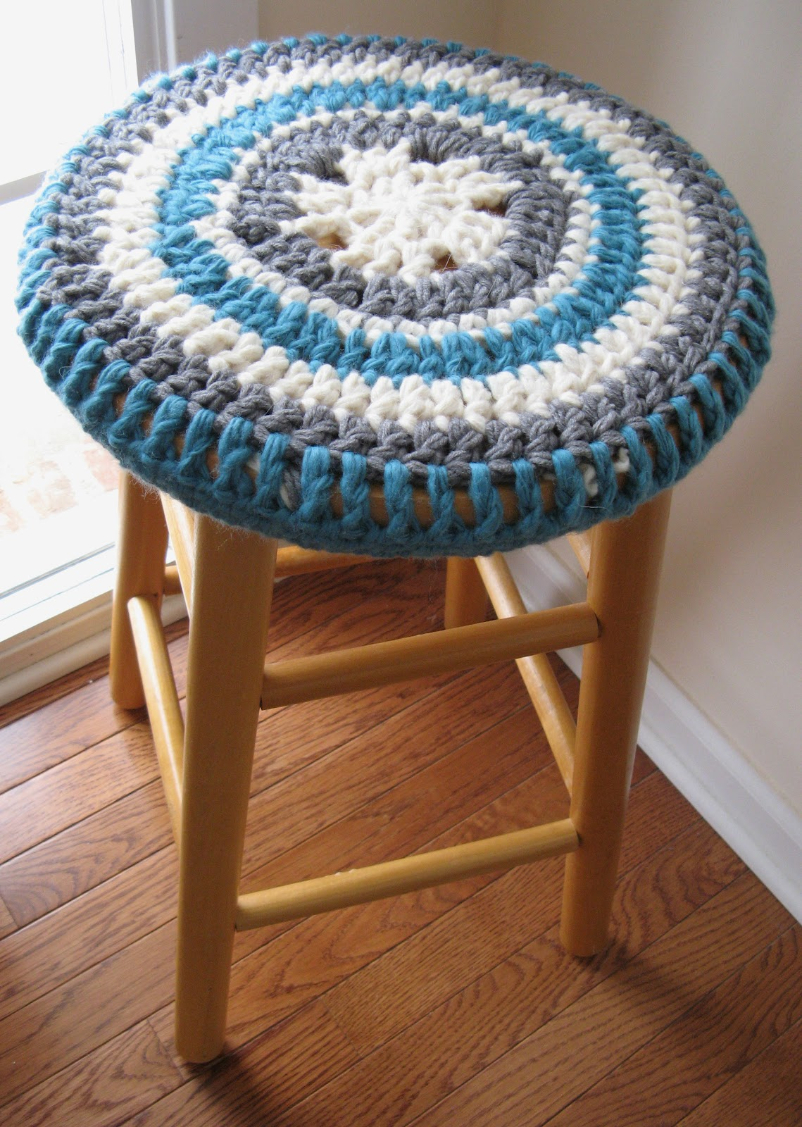 a Shimmering Star: Granny Square Stool Cover
