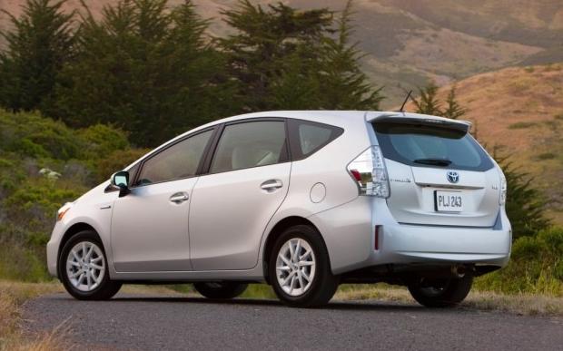 Toyota Prius V, 2013 года