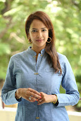 Lakshmi manchu new photo shoot-thumbnail-16
