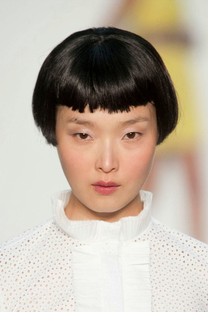 how to cut choppy bangs with scissors