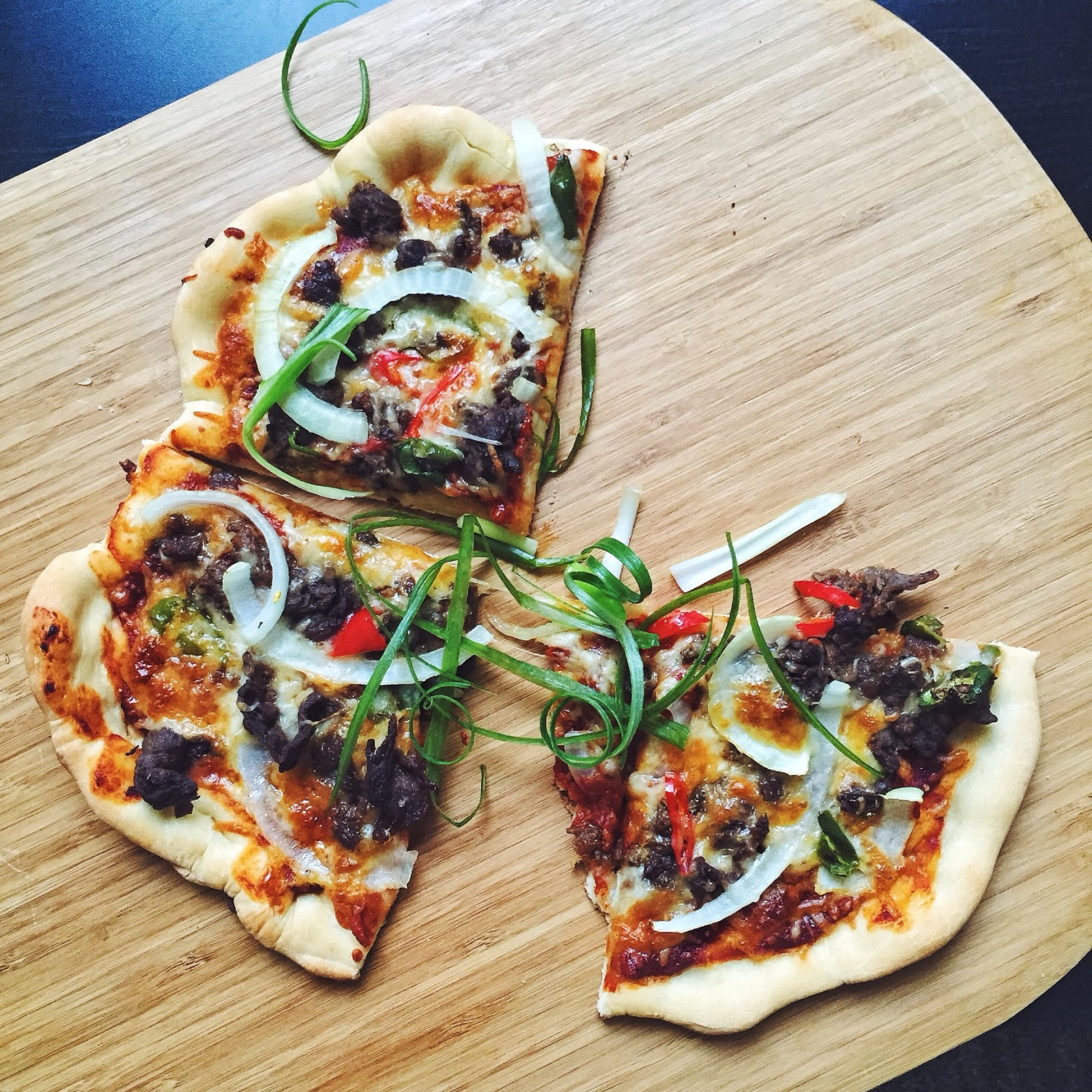 miss hangrypants bulgogi chili pizza with gochujang tomato sauce
