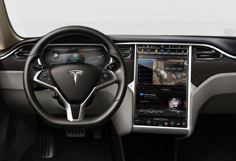 米テスラモーターズの電気自動車「モデルS」のデジタルダッシュボードにNVIDIA Tegra。メータパネルもデジタル。インフォシステムの画面は17インチ
