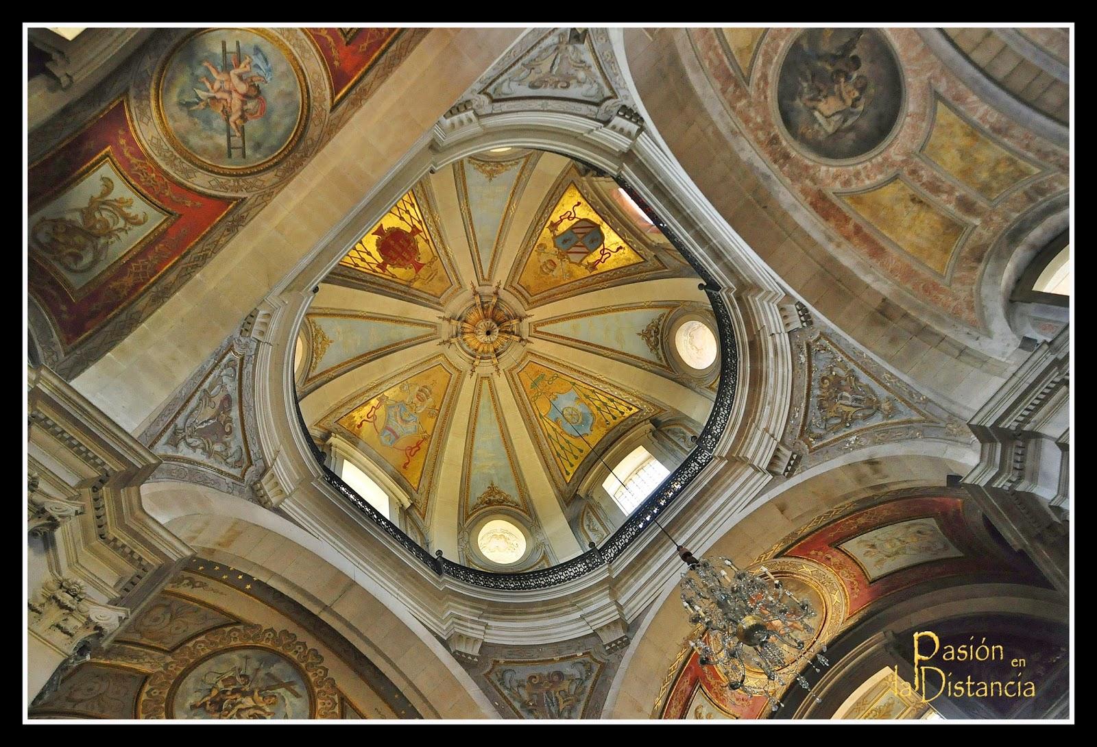 Interior de la iglesia del Bom Jesú do Monte