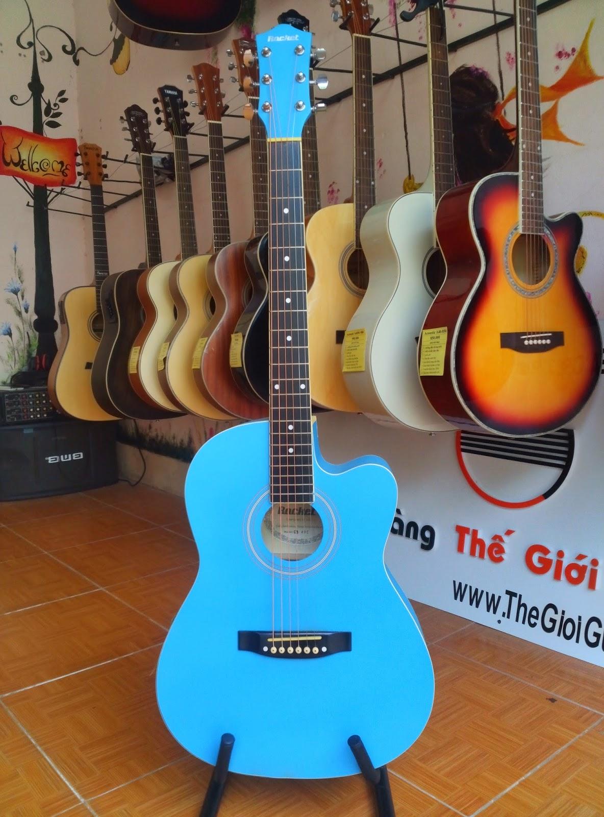 đàn ghita màu xanh lơ