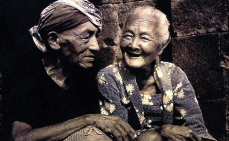 Cinta akan bertahan karena hadiah yang paling indah.