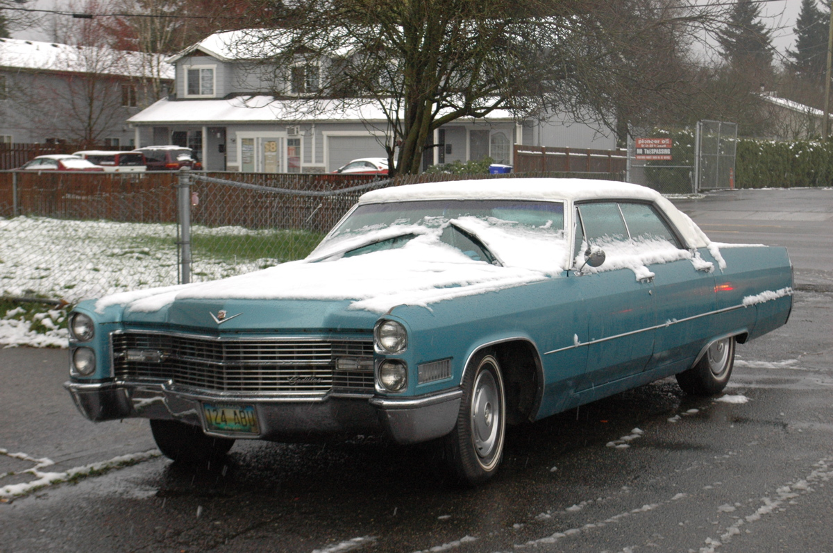 old parked cars 1967 cadillac sedan deville. Black Bedroom Furniture Sets. Home Design Ideas