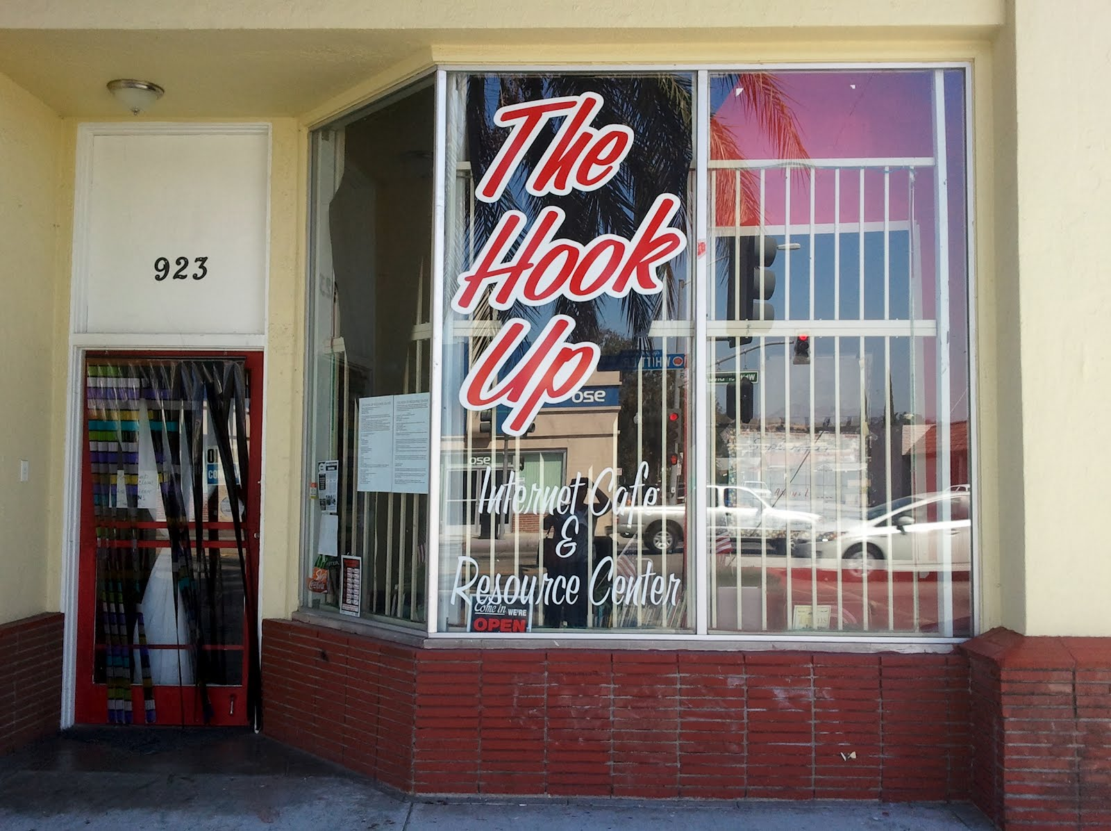 the hook up montebello