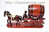 Trống ngựa kéo bom rượu