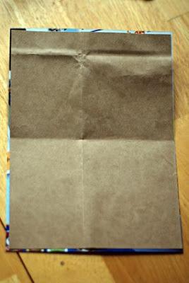 Cartão feito com materiais reciclados